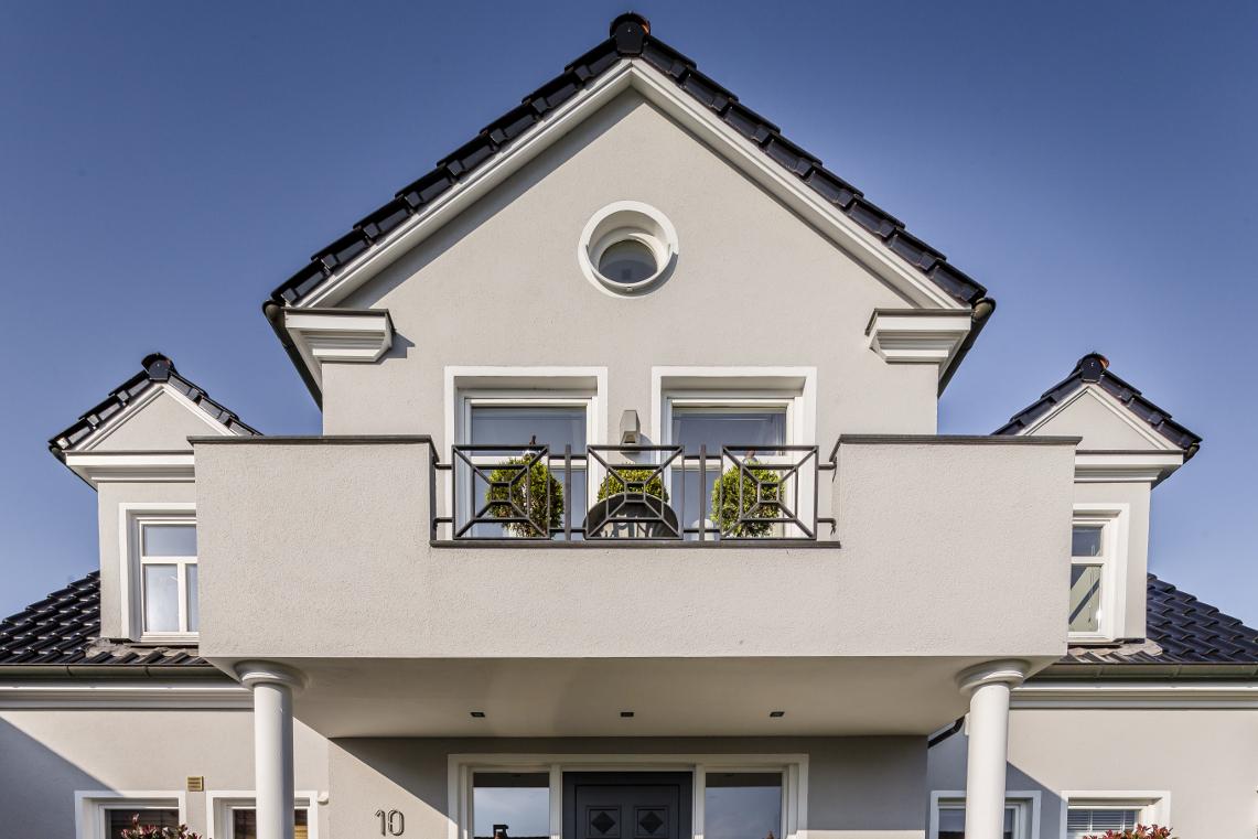 Einfamilienhaus In Klassichem Grau